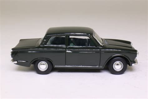 Vanguards VA07300; Ford Cortina MkI; Goodwood Green 57708