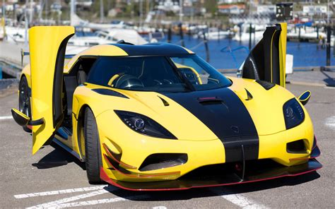 See The 20 Fastest Cars In The World