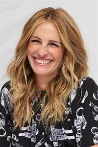 JULIA ROBERTS at Wonder Press Conference at Langham Hotel ...