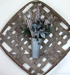 finally found a tobacco basket decorated with simple sign dried tobacco leaves primitive
