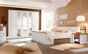 Großes Schlafzimmer Einrichten : kleines schlafzimmer optimal einrichten 8 ideen vorgestellt von gro es schlafzimmer gem tlich ~ Frokenaadalensverden.com Haus und Dekorationen