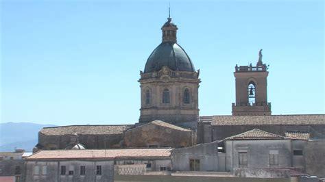 La Cupola by Alcamo Si Illumina La Cupola Della Chiesa Madre Alpauno