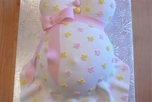 Quoi Offrir Pour Une Naissance : un g teau de femme enceinte pour annoncer une naissance ~ Melissatoandfro.com Idées de Décoration