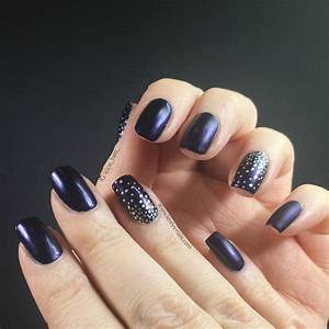 Easy nail art matte navy blue stamped silver - Keely's Nails