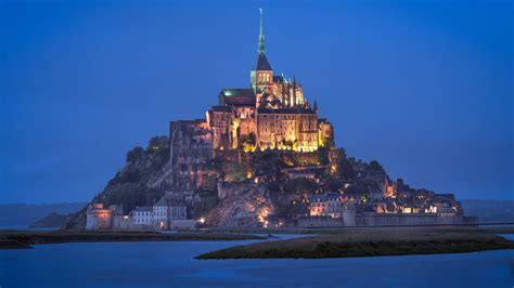 10 must see castles of the world planned traveller