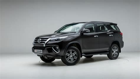 Toyota Fortuner 4k Wallpapers by Toyota Fortuner Photo Left Rear Three Quarter Image Carwale