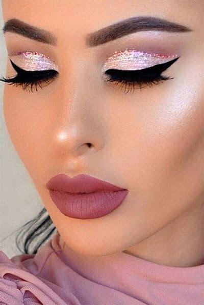 christmas themed makeup  trends  women