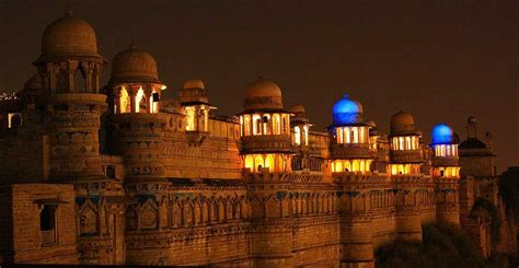 majestic palaces  forts  india