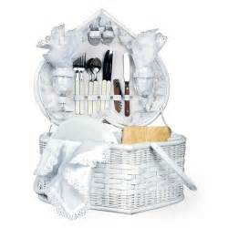 wedding gift basket picnic wedding gift ideas