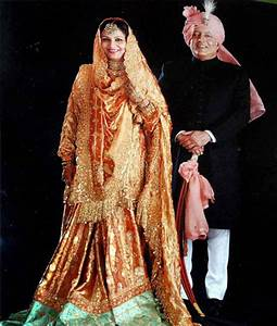 Why will Kareena wear Sharmila's wedding dress? - Emirates ...