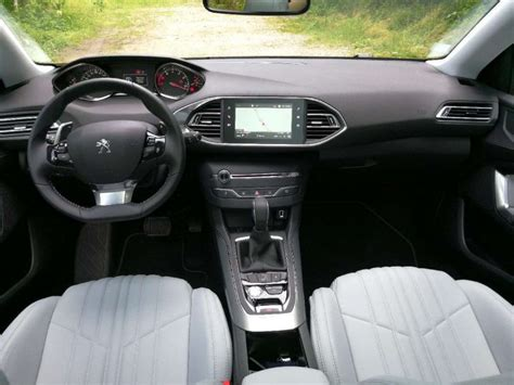 nuova peugeot 308 interni nuova peugeot 308 2017 restyling prezzo interni uscita