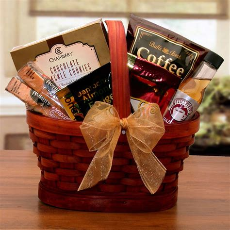 For the hostess who loves baked goods and baking, this is the perfect hostess gift. Mini Coffee Break Gift Basket   Gourmet gift baskets, Tea ...