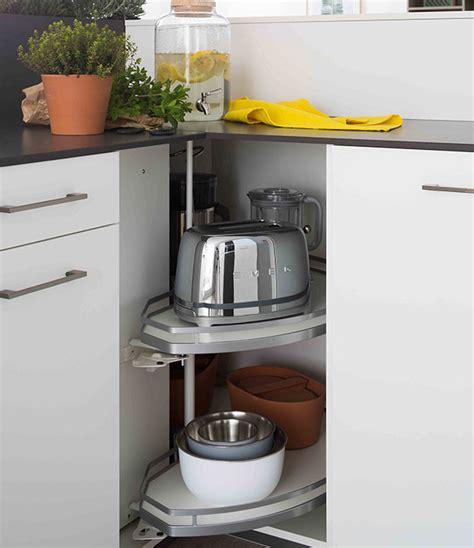 meuble a balai pour cuisine meubles de rangement astucieux mobalpa international