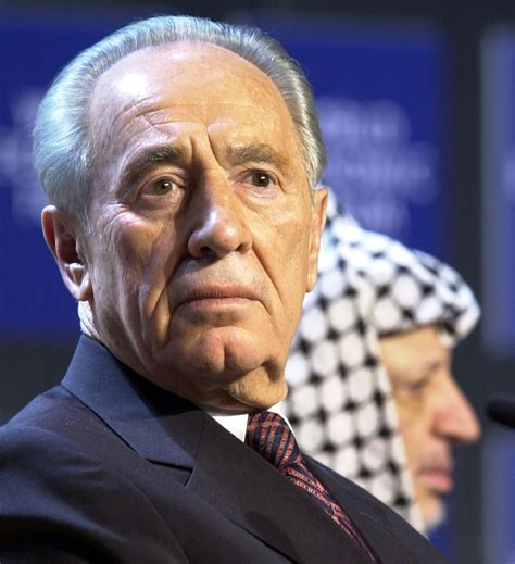 File:Shimon Peres, Yasser Arafat - World Economic Forum