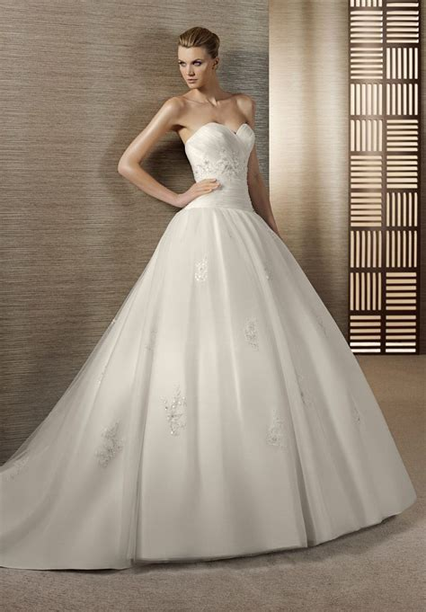 breathtaking find your dream wedding dress lifestuffs