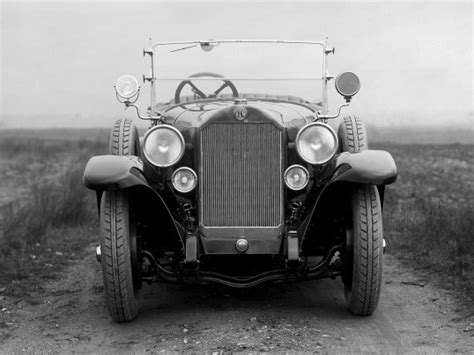 We are interested in the evolution of cars, and show their future. Benz 10/35 PS Touring '1925 | Touring
