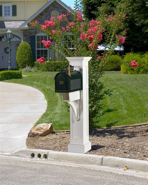 Mailbox Posts for Royal Crowne