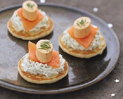 aperitif de noel canap駸 1000 idées sur le thème blinis saumon sur blinis au saumon saumon fumé