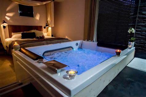 hotel de charme avec dans la chambre belgique louer loft romantique à bordeaux pour deux avec et