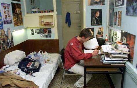 chambre crous comment se loger quand on devient étudiant melty fr