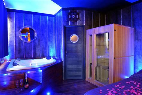 boat spa nuit damour