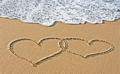 Love Heart Sand Wallpaper