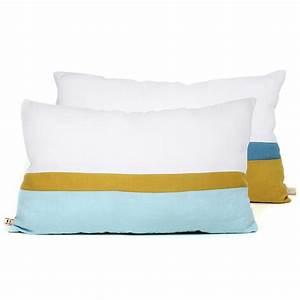 Coussin Bleu Et Jaune : coussin en lin 30 x 50 cm bleu jaune lab pour chambre enfant les enfants du design ~ Teatrodelosmanantiales.com Idées de Décoration