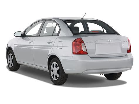 Hyundai Accent 2008 by 2008 Hyundai Accent Se Hyundai Subcompact Hatchback