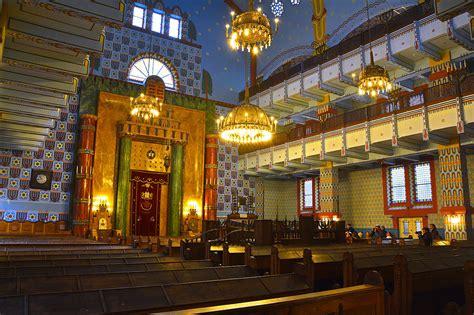 filekazinczy street orthodox synagogue insidejpg