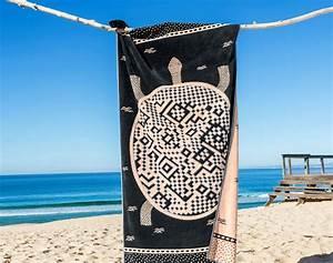 Drap De Plage Homme : grande serviette plage ~ Teatrodelosmanantiales.com Idées de Décoration