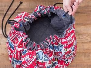 Spielzeug Für Jungs 94 : diy anleitung spielmatte und spielzeugtasche in einem n hen via aufbewahrung ~ Orissabook.com Haus und Dekorationen