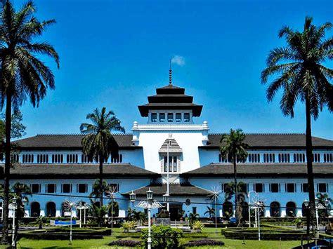 De'Rain Hotel Bandung   Hotel Management   DHM