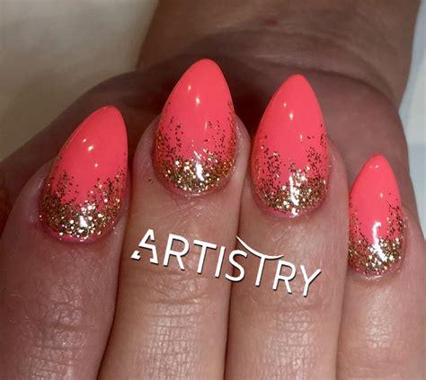Glitters glitters glitters... #nails #gelnails #gelnagels #shinynails #blingnails # ...