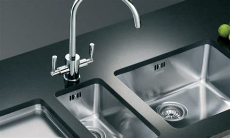 Kitchen Sinks And Faucets