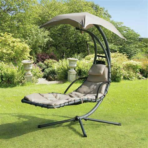 chaise longue suspendue de jardin chaise longue suspendue et fauteuil relax