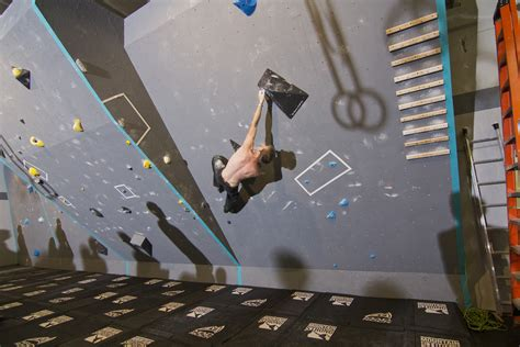 Climbers Crossfit Gym Grabs Hold New Market Businessden