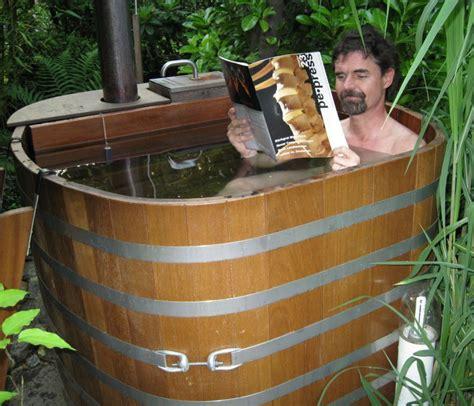 Holzzuber Zum Baden by Outdoor Badebottiche Regentonnen Tubs