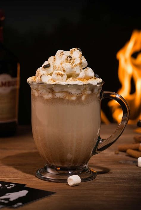 16 Best Alcoholic Hot Chocolate Drinks - Recipes for