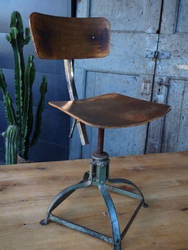 chaise bois et metal chaise atelier bienaise basse dans leur jus metal et bois