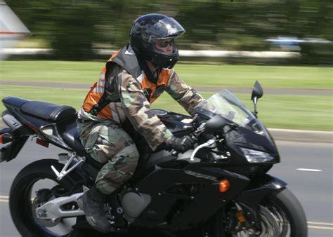 File:US Navy 050804-N-0879R-001 A Sailor rides his
