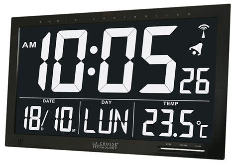 horloge murale digitale radio pilotee horloge murale digitale radio pilot 233 e fond noir digit blanc horloge murale 1001 pendules