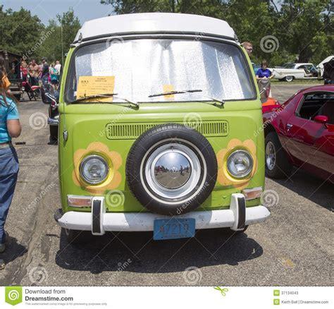 volkswagen hippie van front 1968 vw hippie cer special van front view editorial