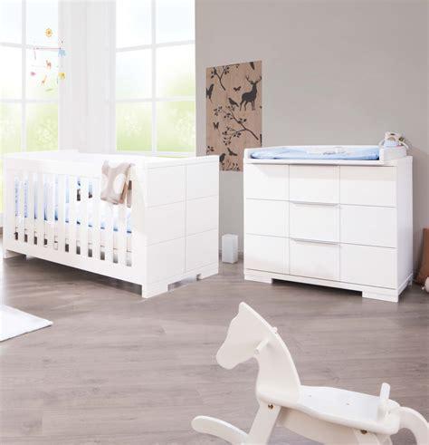 chambre bebe lit et commode pinolino chambre bb polar blanc lit volutif commode