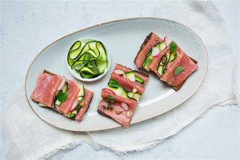 cuisine aoste tartine danoise au jambon cru aoste délices