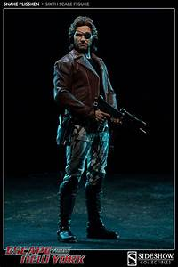 Sideshow Collectibles 1  6th Scale Snake Plissken