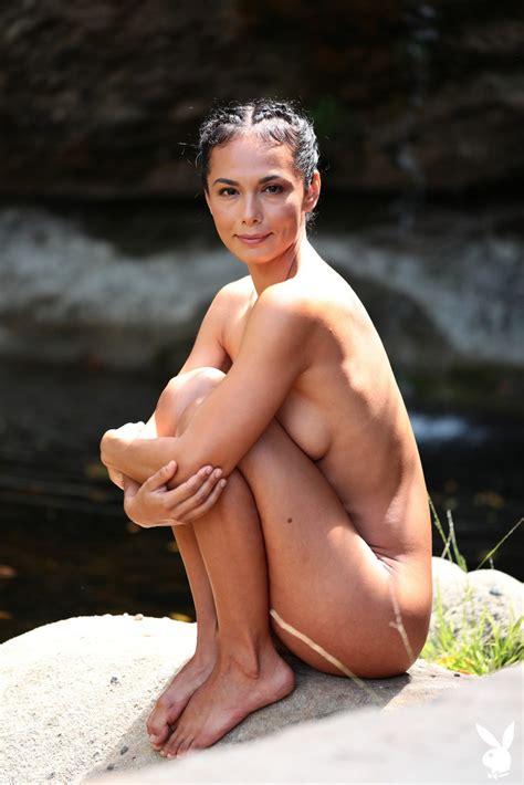 Daniella Smith Fappening Naked Yoga Classes 13 Photos The Fappening