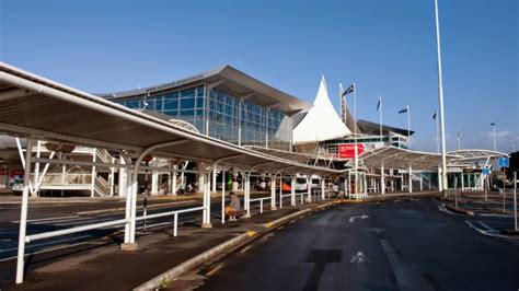 auckland airport   airports   world stuff