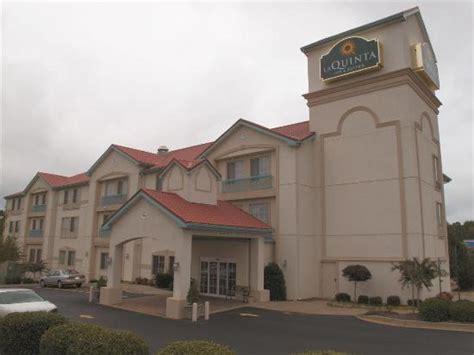 ashley park regal par for the course review of la quinta inn suites