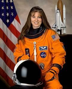 Four Women in Space at the Same Time ~ Kuriositas