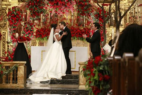 See The Bridal Gown Kerry Washington Wore On Scandal